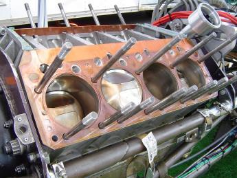 parafusos da cabeça do motor